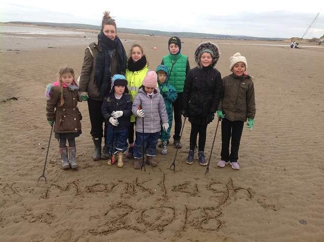 first beach clean group pic 2 L